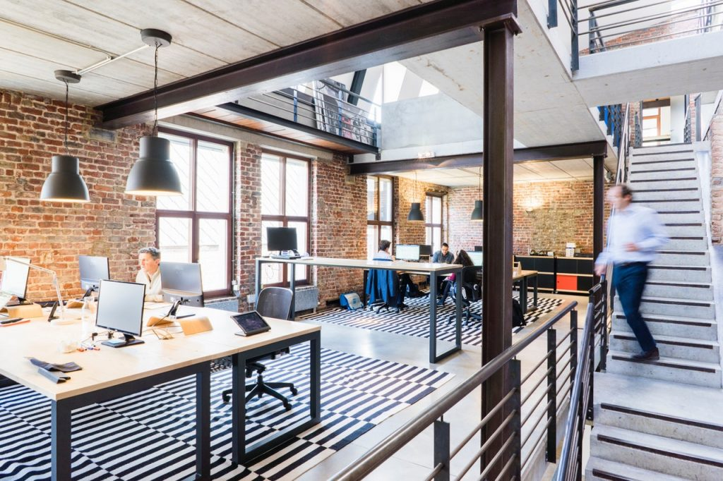Pros and cons of concrete flooring for large Corporates